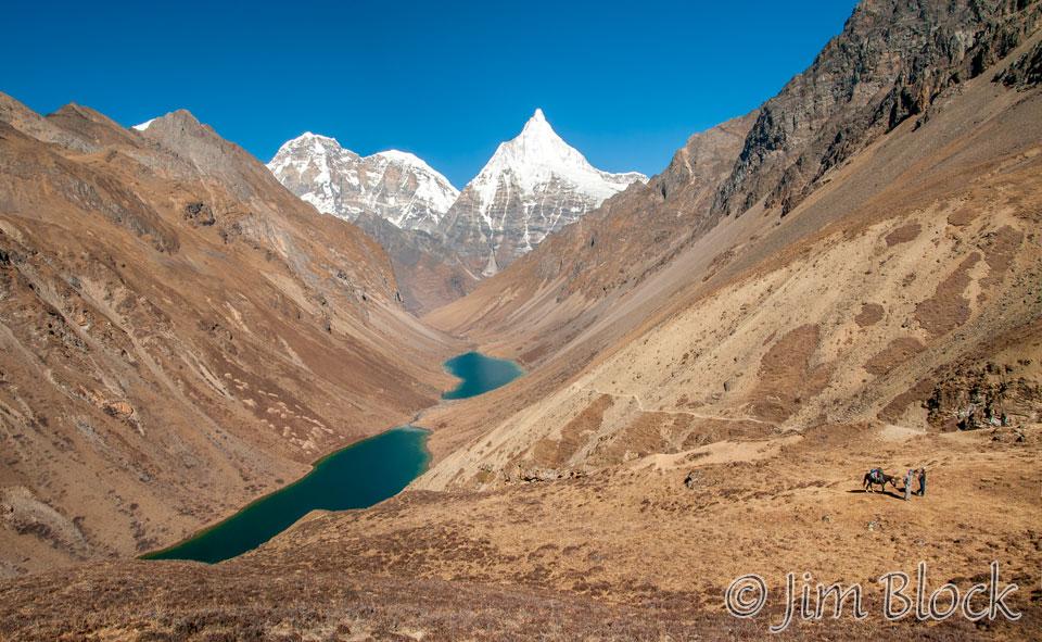 BHU-9693---Jomolhari,-Jichu-Drakye,-and-Tsho-Phu-lakes----Pan-(2)
