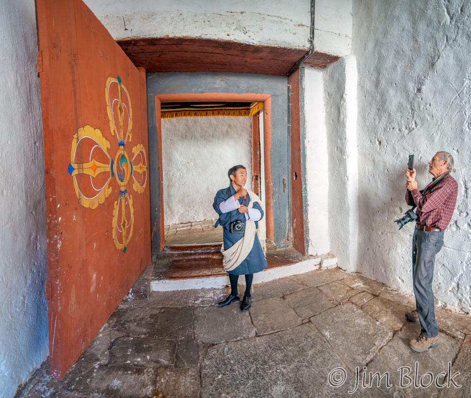 BHU-6094--Trongsa-Dzong-iPhone-Photo---Pan-(3)