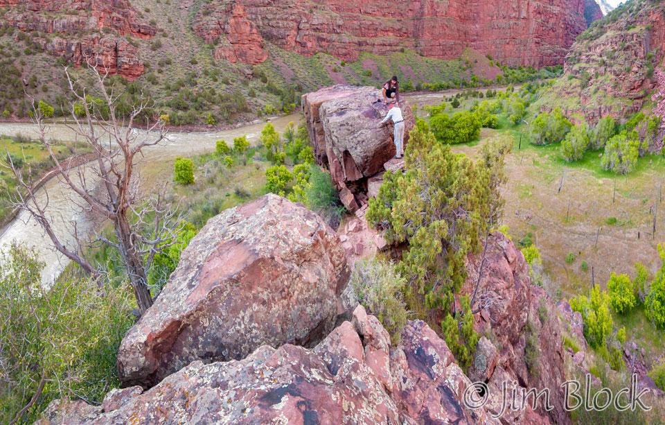 ED531--Climbing-Rocks-at-Pot-Creek---Pan-(2)