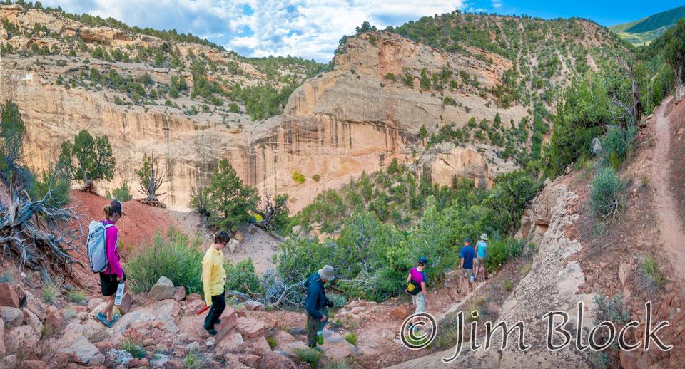 EE514--Hiking-down-Box-Canyon---Pan-(3)