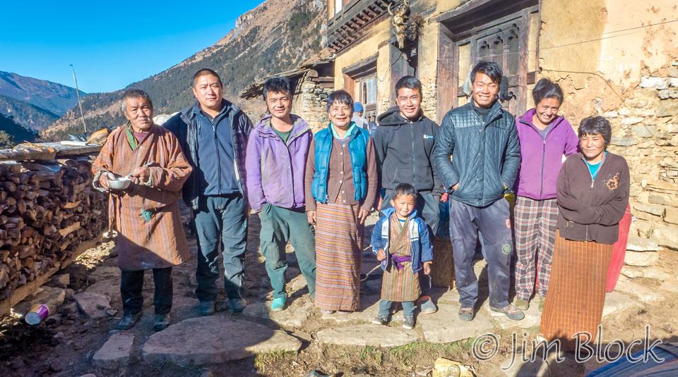 BHU-10162C,E--Nomad-Family-Portrait