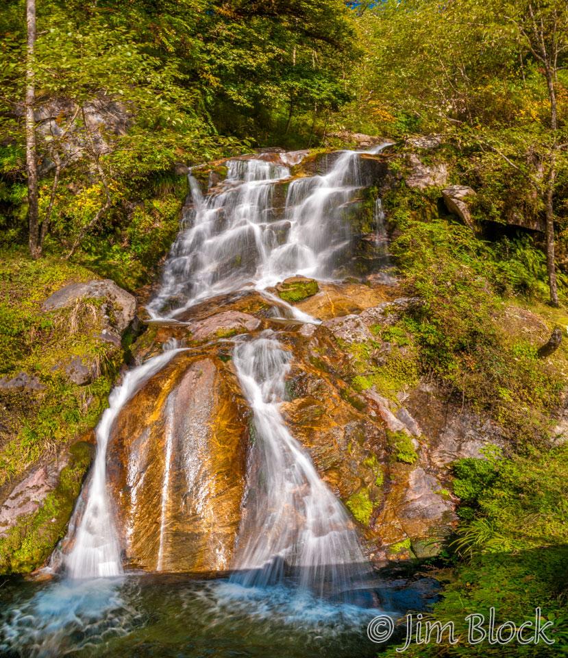 BHU-6158--Waterfall-before-Phobjikha-Valley---Pan-(5)