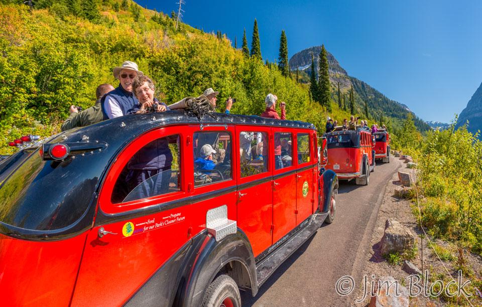 DX655--Glacier-Tour-Buses---Pan-(2)